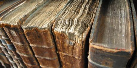 Топ-7 самых древних книг