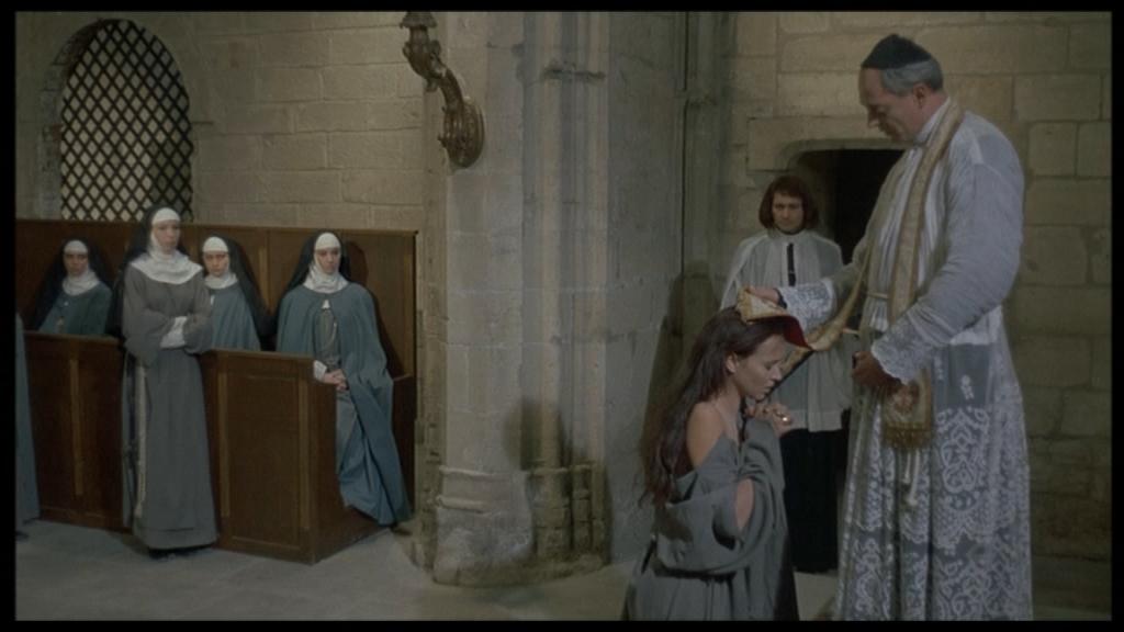 Монахиня 2