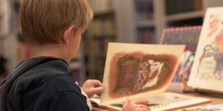 Анна Альтер и авторы-эксперты в новой серии детских книг о науке