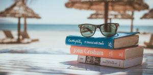 Что почитать летом? Топ-10 интересных книг